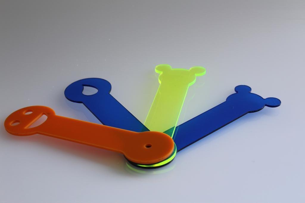 Fabricação de peças de acrílico